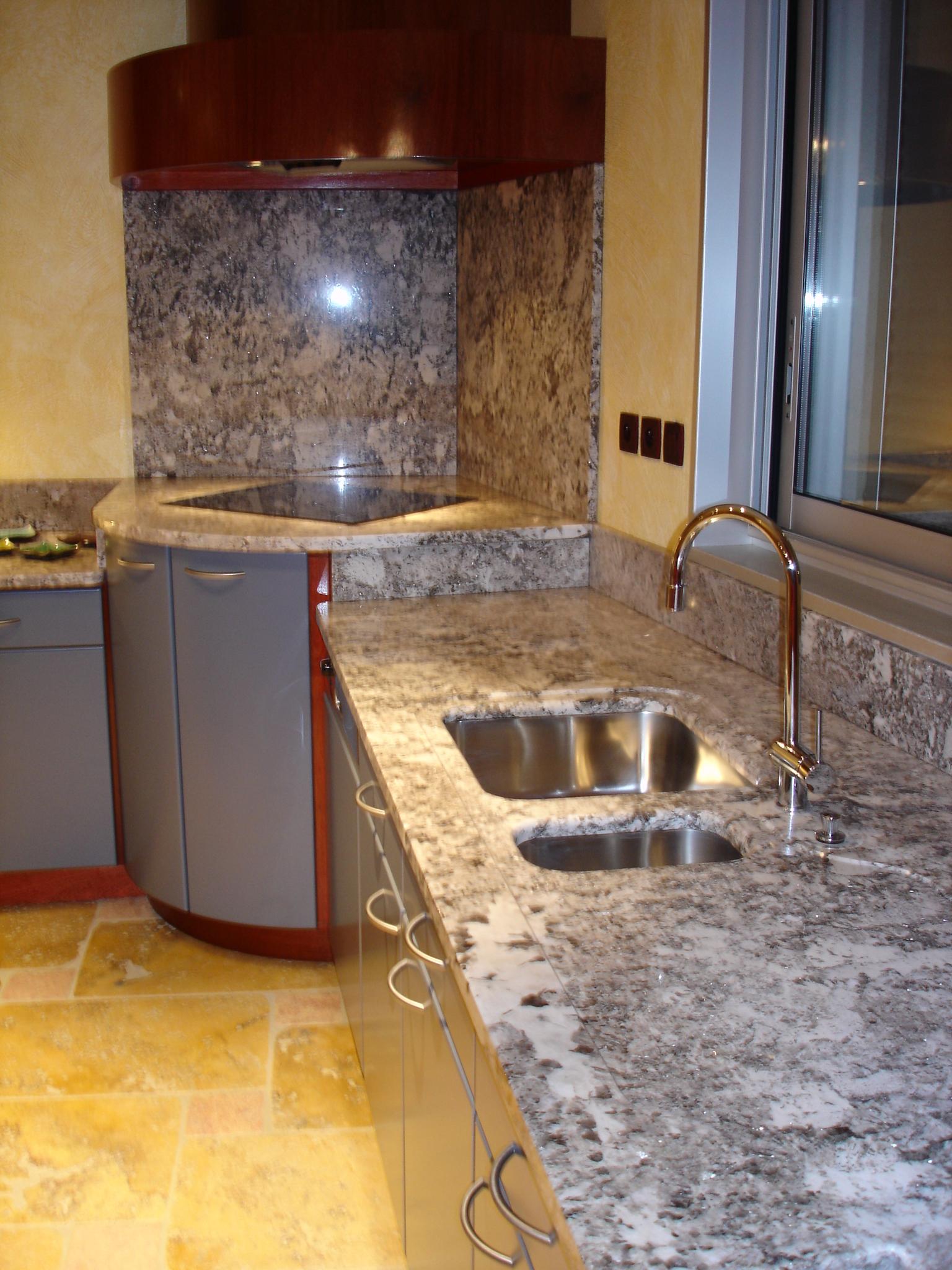 Plan De Travail Granit Loire graniterie du forez, marbrerie de décoration, feurs, loire, 42